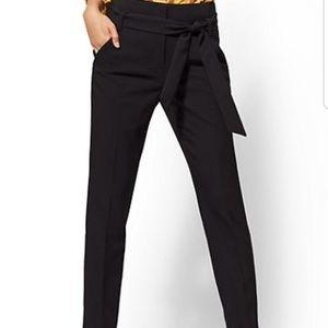 NY & CO Maddie short length cigarette pant